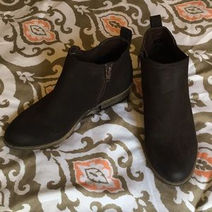 Merona brown suede ankle boots 6.5